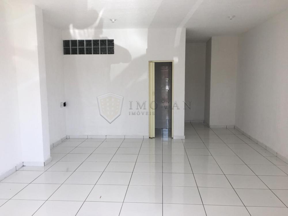 Alugar Comercial / Salão em Ribeirão Preto R$ 2.200,00 - Foto 2