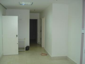 Alugar Comercial / Sala em Ribeirão Preto R$ 1.800,00 - Foto 7
